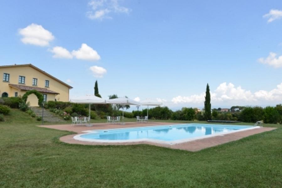 agriturismo_piscina_firenze